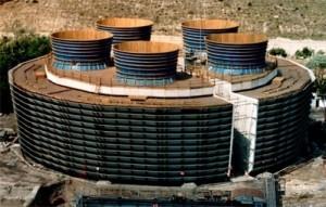 Şekil 4. Karabük Demir Çelik Fabrikası inşai tip su soğutma kulesi (Anonim, 2003a)